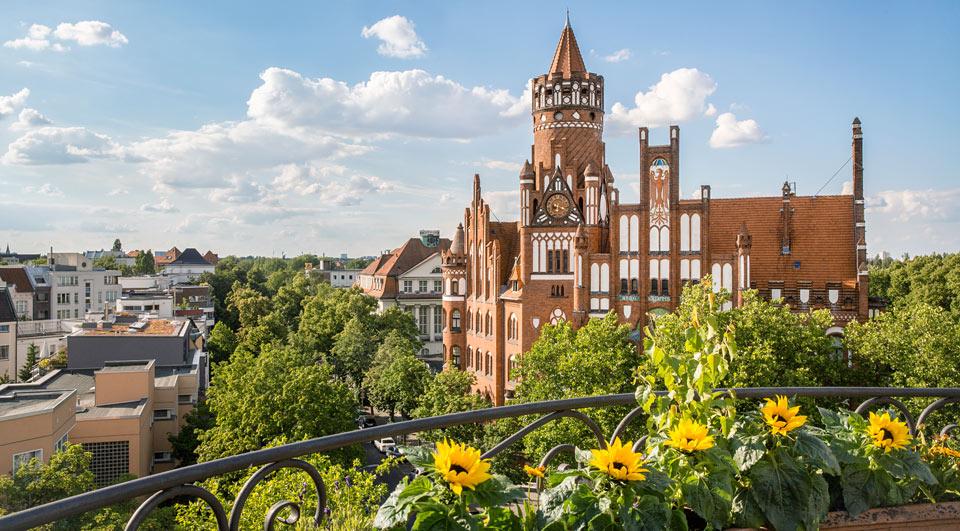 Rathaus-Schmargendorf im Sommer